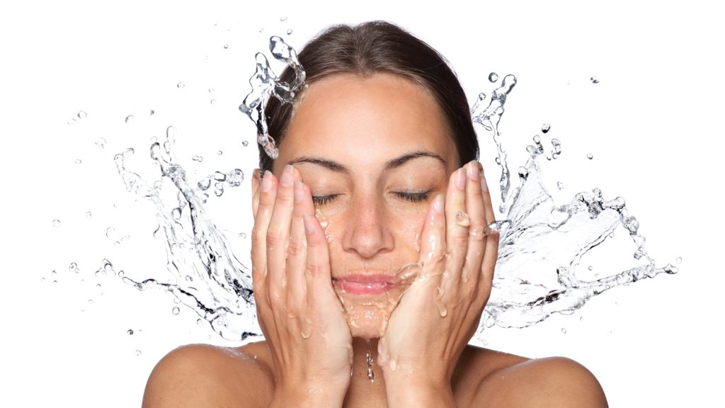 Skin-face-cleansing-an-essential-step-in-your-skincare-routine